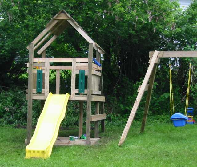 Michael and Cadence's 'Treehouse'